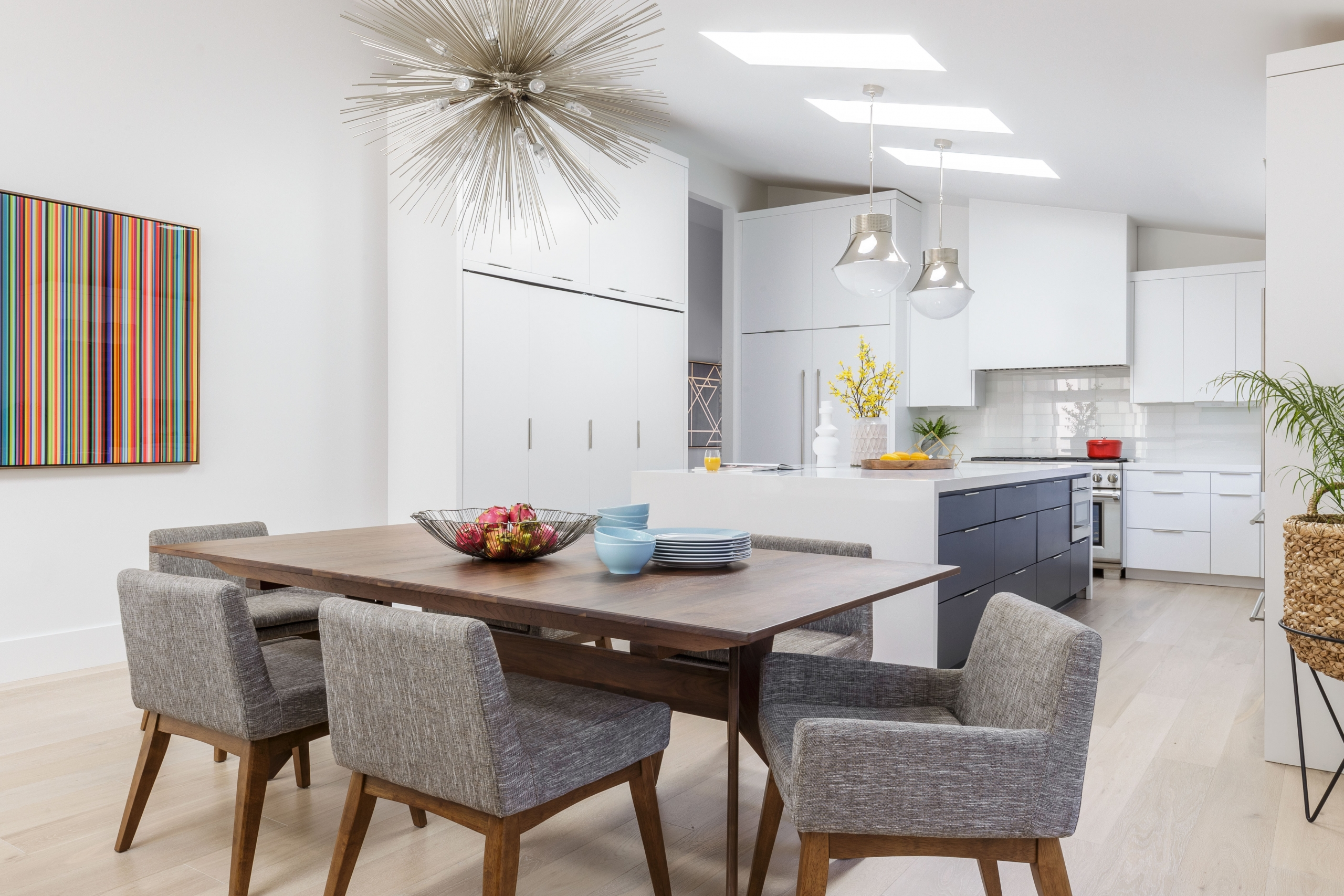 Contemporary kitchen dining room combo
